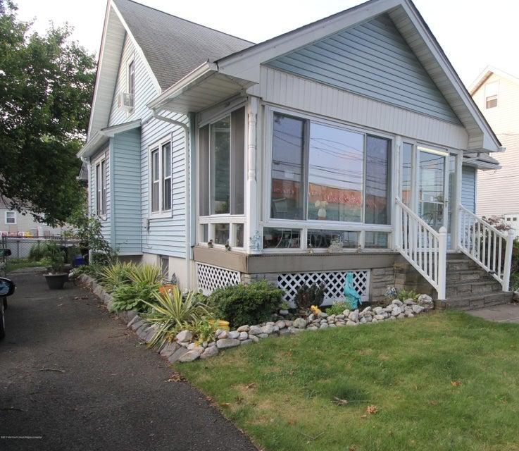 Casa Unifamiliar por un Venta en 377 Vail Avenue Piscataway, Nueva Jersey 08854 Estados Unidos