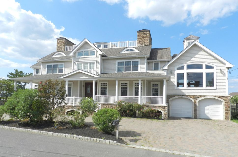 Maison unifamiliale pour l Vente à 13 Riverview Road 13 Riverview Road Monmouth Beach, New Jersey 07750 États-Unis