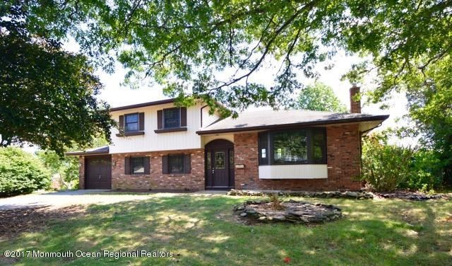 Maison unifamiliale pour l Vente à 3 Lexington Road 3 Lexington Road Howell, New Jersey 07731 États-Unis