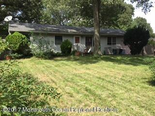 Maison unifamiliale pour l Vente à 318 Laurel Boulevard 318 Laurel Boulevard Lacey, New Jersey 08734 États-Unis