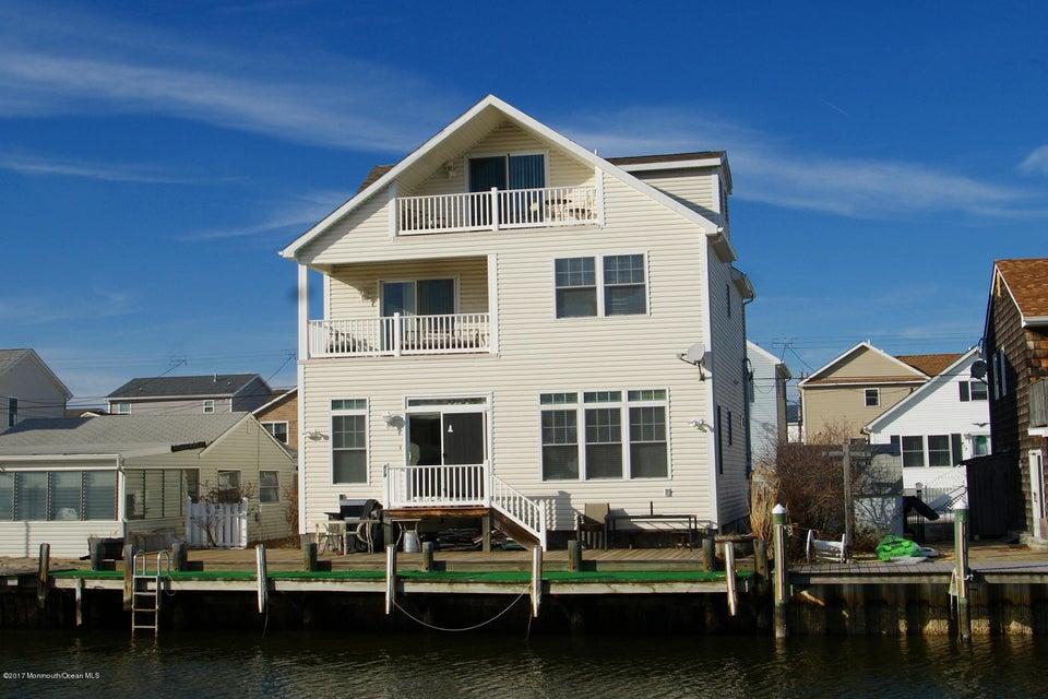 Casa Unifamiliar por un Alquiler en Address Not Available Ortley Beach, Nueva Jersey 08751 Estados Unidos
