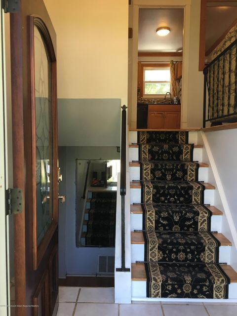 1 Idaho Steps to Upstairs