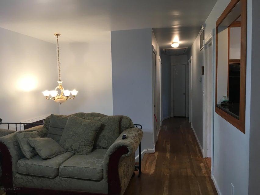 1 Idaho Hallway