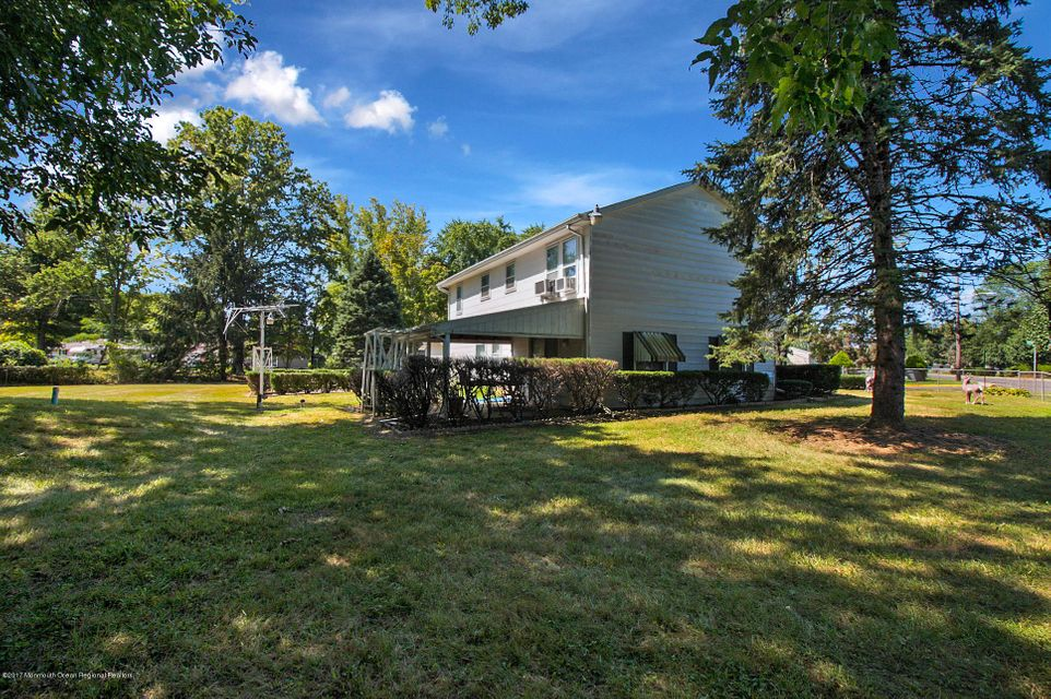 Additional photo for property listing at 2 Kennedy Drive 2 Kennedy Drive Cookstown, New Jersey 08511 Amerika Birleşik Devletleri