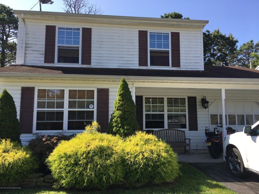 Single Family Home for Rent at 233 Timberline Road 233 Timberline Road Toms River, New Jersey 08753 United States