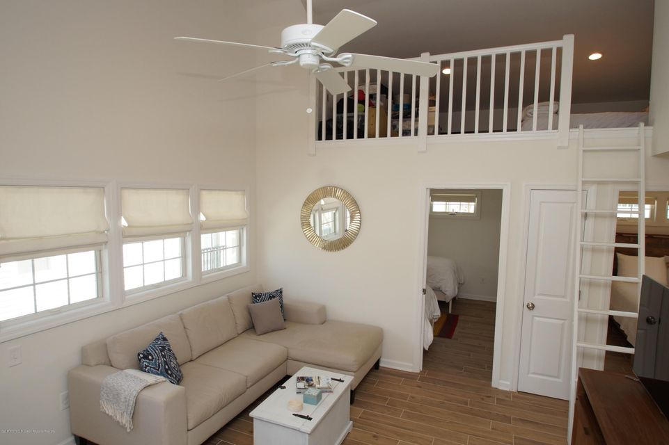 118 W Kingfisher Way - Picture 4