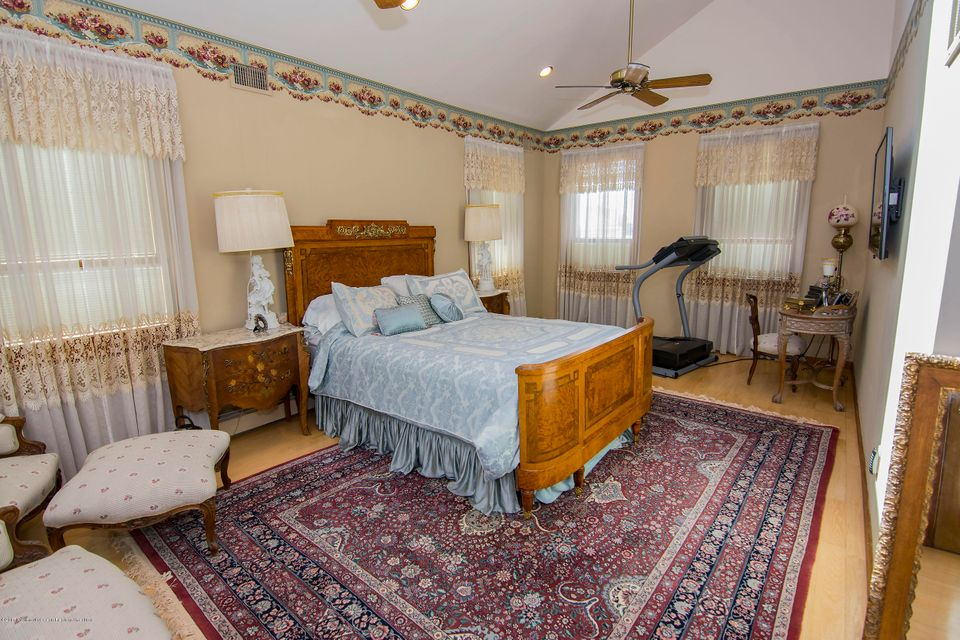 Additional photo for property listing at 1206 Laurel Boulevard 1206 Laurel Boulevard Lanoka Harbor, Nueva Jersey 08734 Estados Unidos