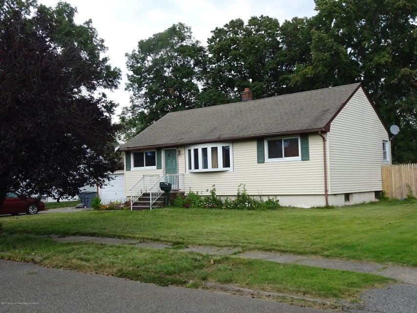 Casa para uma família para Venda às 10 Falk Place 10 Falk Place Pompton Lakes, Nova Jersey 07442 Estados Unidos