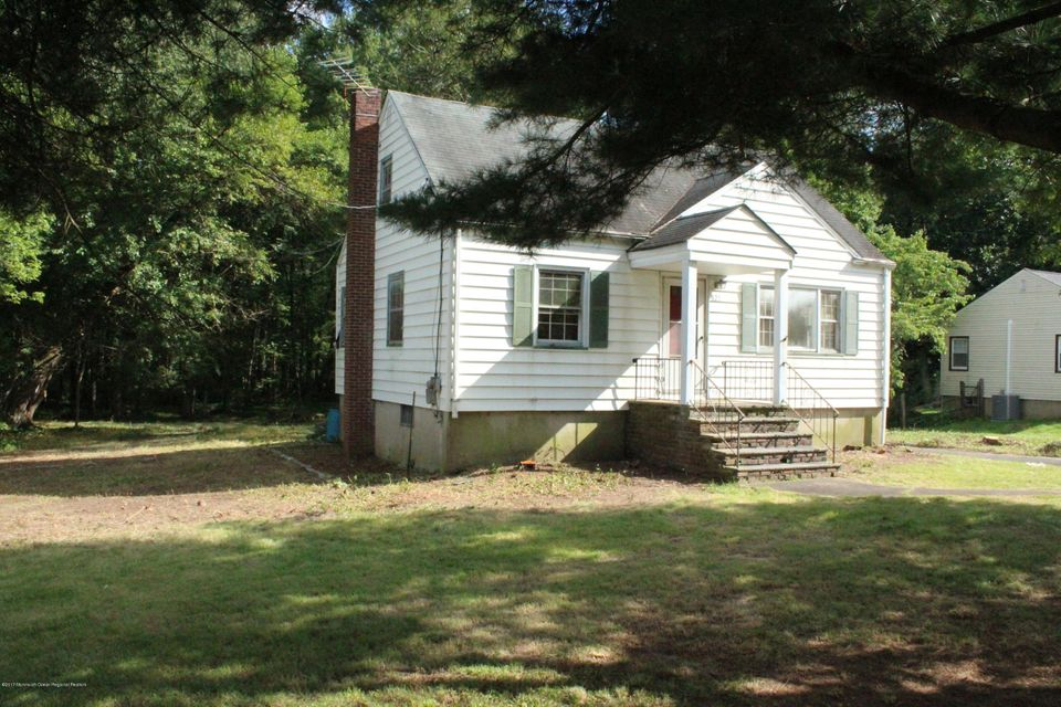 Single Family Home for Sale at 823 River Road 823 River Road Chatham, New Jersey 07928 United States