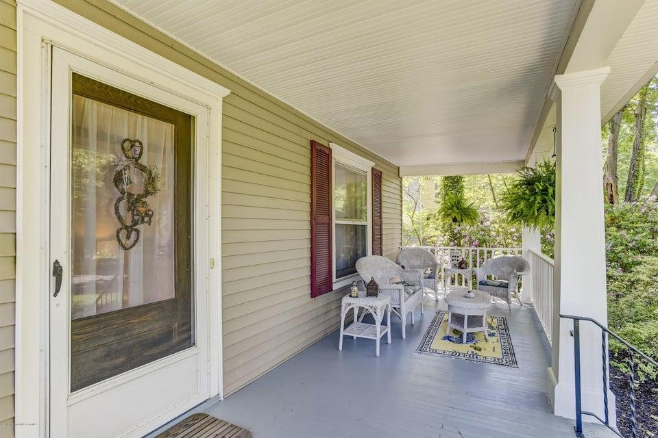 004_Front Porch (1)