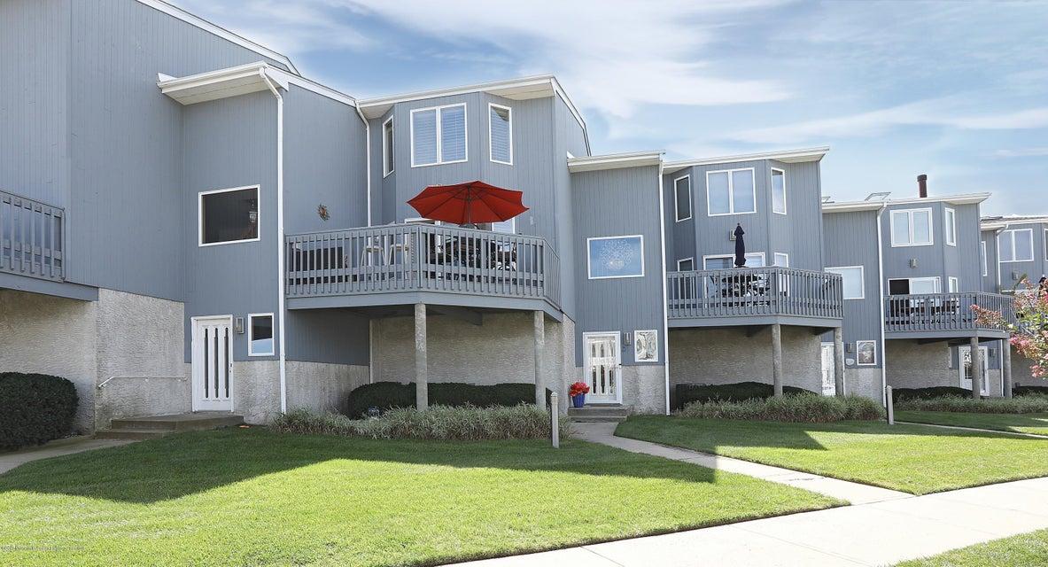 共管式独立产权公寓 为 出租 在 109 2nd Avenue 贝尔玛, 新泽西州 07719 美国