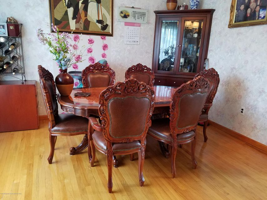 Additional photo for property listing at 12 William Lane 12 William Lane Ocean Township, 新澤西州 07712 美國