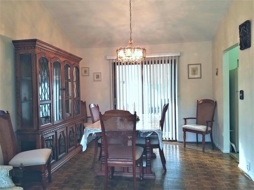 Additional photo for property listing at 26 Woodshore 26 Woodshore Keyport, New Jersey 07735 United States