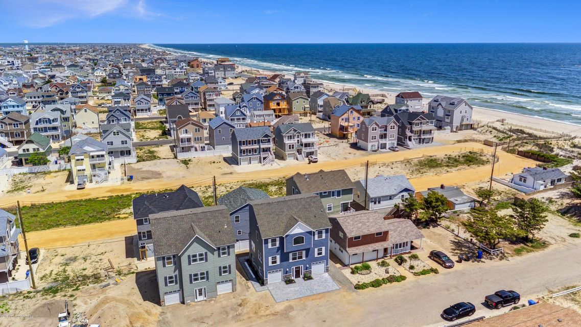 Single Family Home for Sale at 8 Surf Road 8 Surf Road Ortley Beach, New Jersey 08751 United States