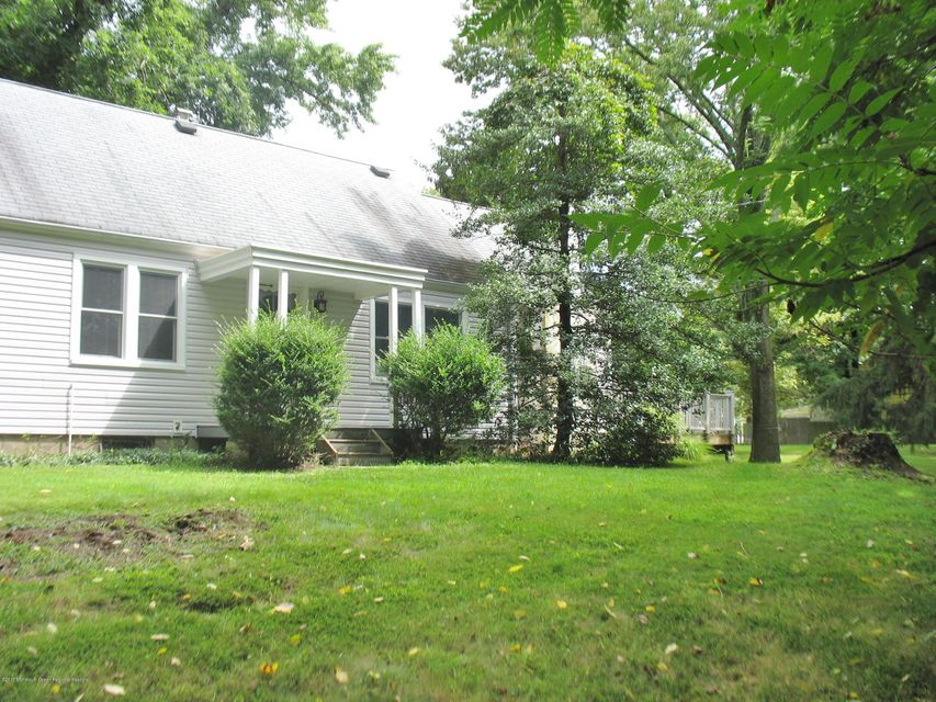 Single Family Home for Sale at 1090 River Road 1090 River Road Ewing, New Jersey 08628 United States