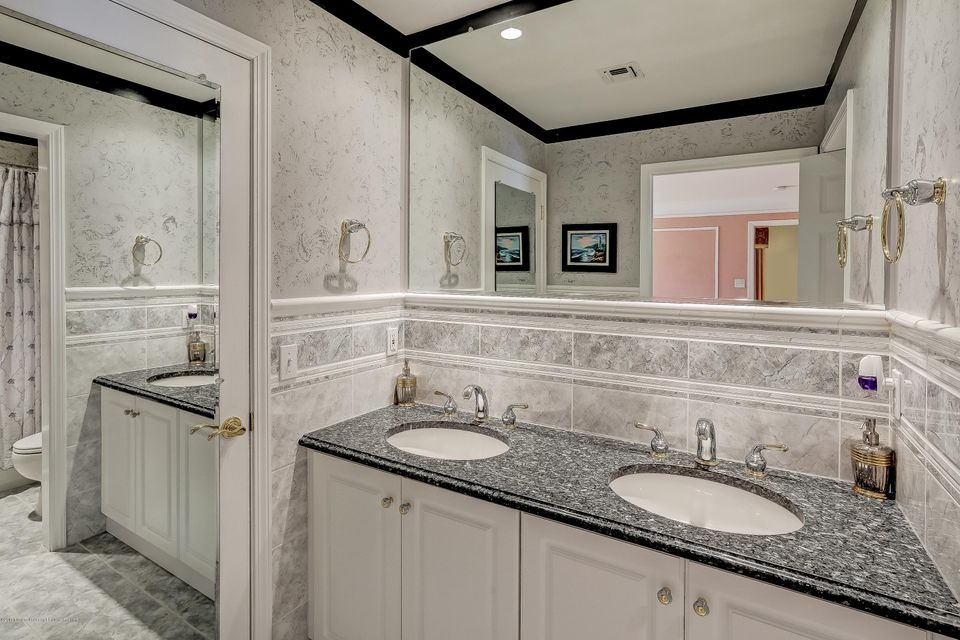 044_Bathroom
