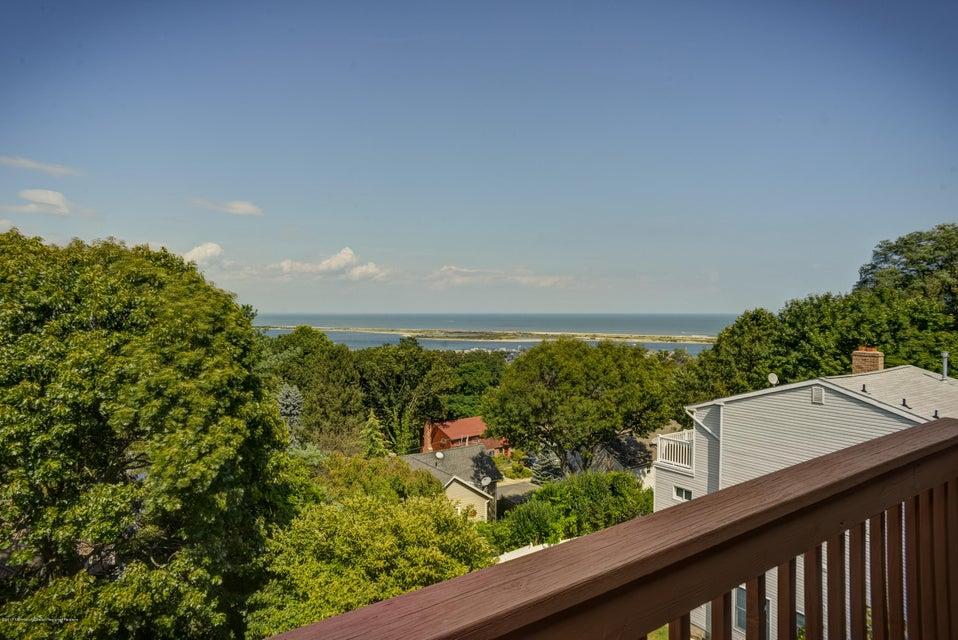 Частный односемейный дом для того Продажа на 14 Mountain Street Highlands, Нью-Джерси 07732 Соединенные Штаты