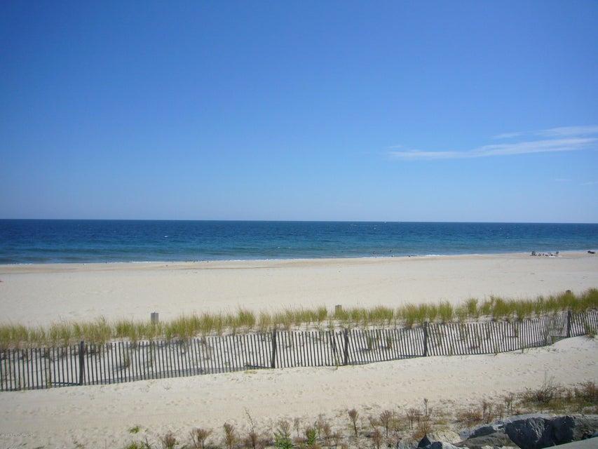 Appartement en copropriété pour l à louer à 1201 Ocean Avenue 1201 Ocean Avenue Sea Bright, New Jersey 07760 États-Unis