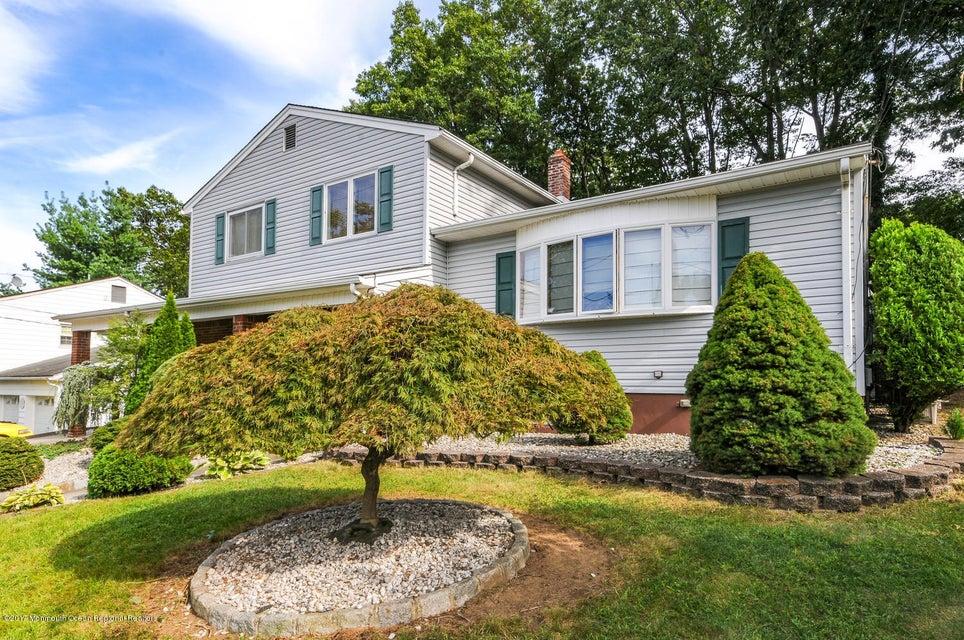 Maison unifamiliale pour l Vente à 85 Kamm Avenue South River, New Jersey 08882 États-Unis