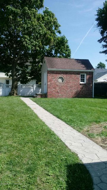 Additional photo for property listing at 334 Sweetbriar Street 334 Sweetbriar Street Cliffwood Beach, Nova Jersey 07735 Estados Unidos