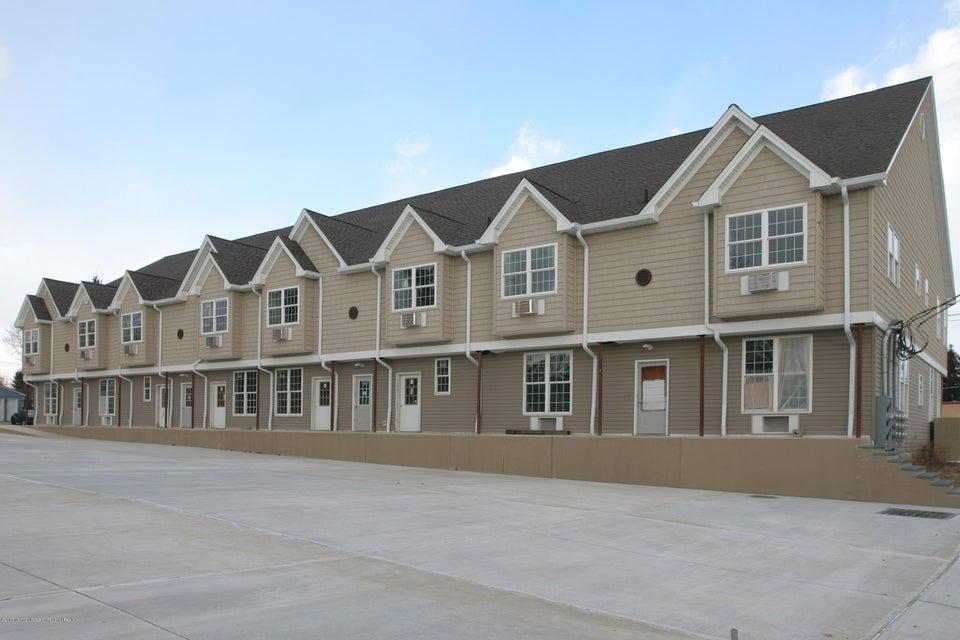 Maison avec plusieurs logements pour l Vente à 33 Vanderbilt Avenue 33 Vanderbilt Avenue Leonardo, New Jersey 07737 États-Unis