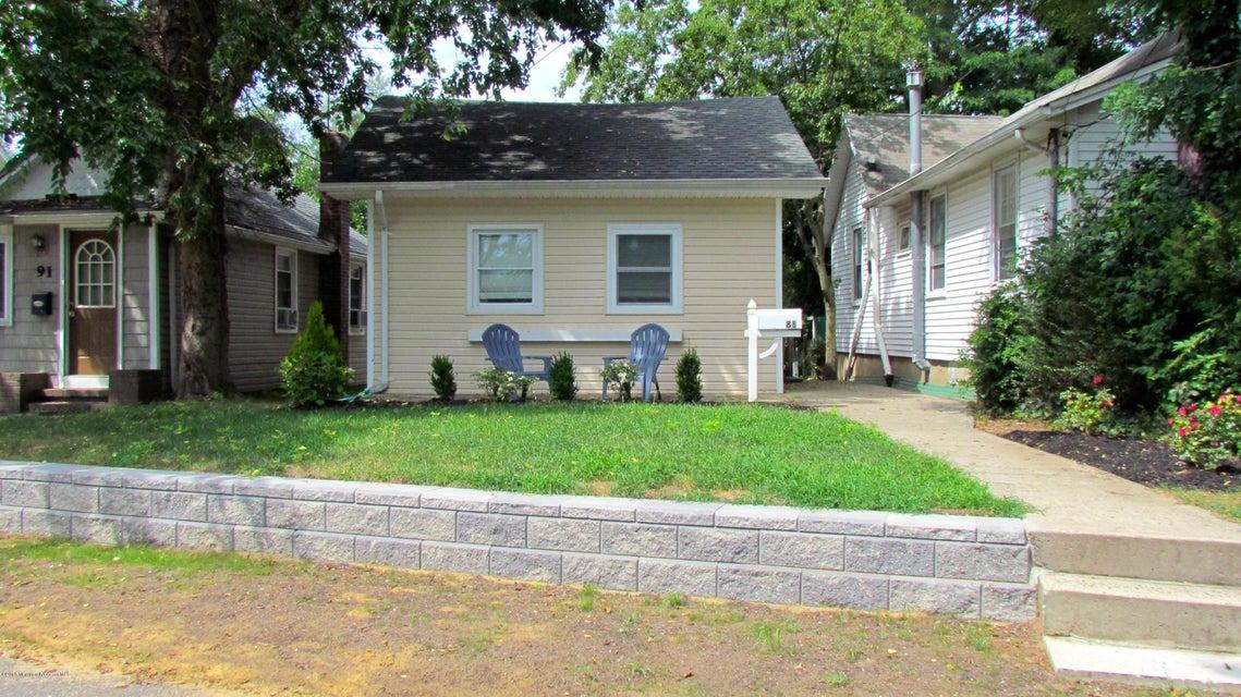 独户住宅 为 出租 在 86 Leroy Place 86 Leroy Place 肯斯堡市, 新泽西州 07734 美国