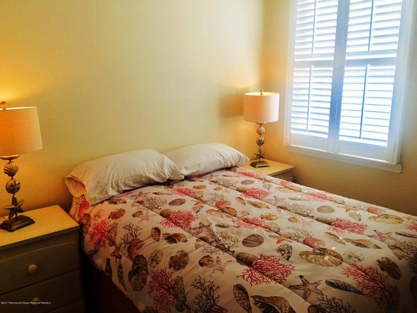 Condominio por un Alquiler en 709 Central Avenue 709 Central Avenue Seaside Park, Nueva Jersey 08752 Estados Unidos