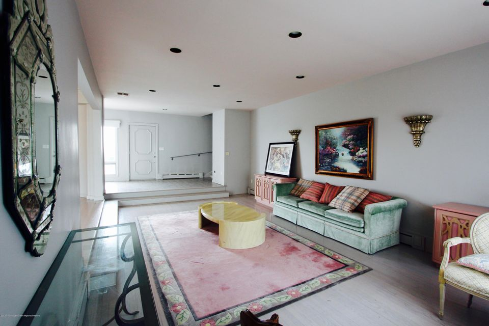 Additional photo for property listing at 112 Ocean Avenue 112 Ocean Avenue Deal, ニュージャージー 07723 アメリカ合衆国