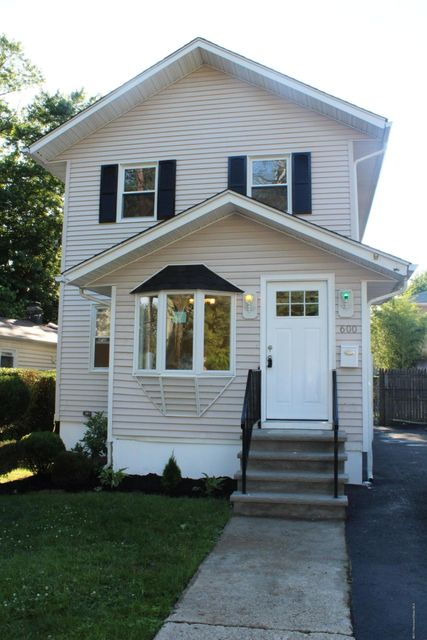 Single Family Home for Sale at 600 Harvard Street New Milford, New Jersey 07646 United States