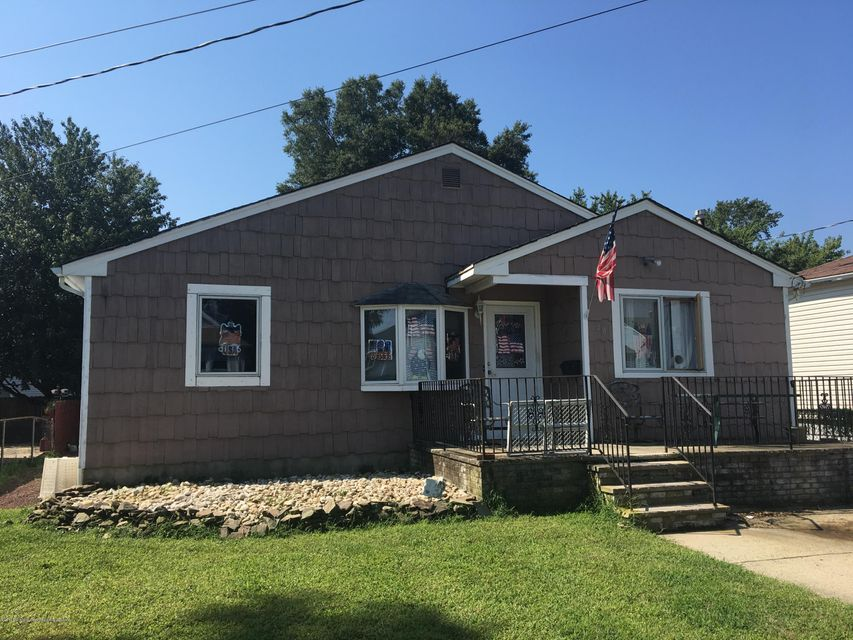 Single Family Home for Sale at 48 Monmouth Avenue 48 Monmouth Avenue North Middletown, New Jersey 07748 United States