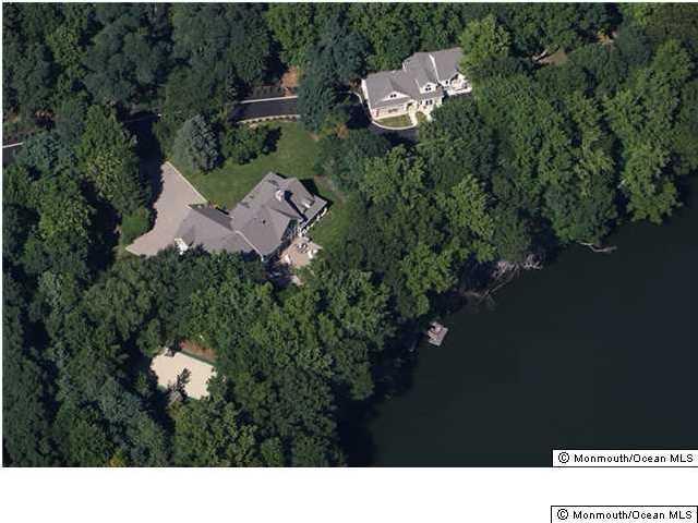 独户住宅 为 出租 在 65 Phalanx Road 65 Phalanx Road 林克罗夫特, 新泽西州 07738 美国