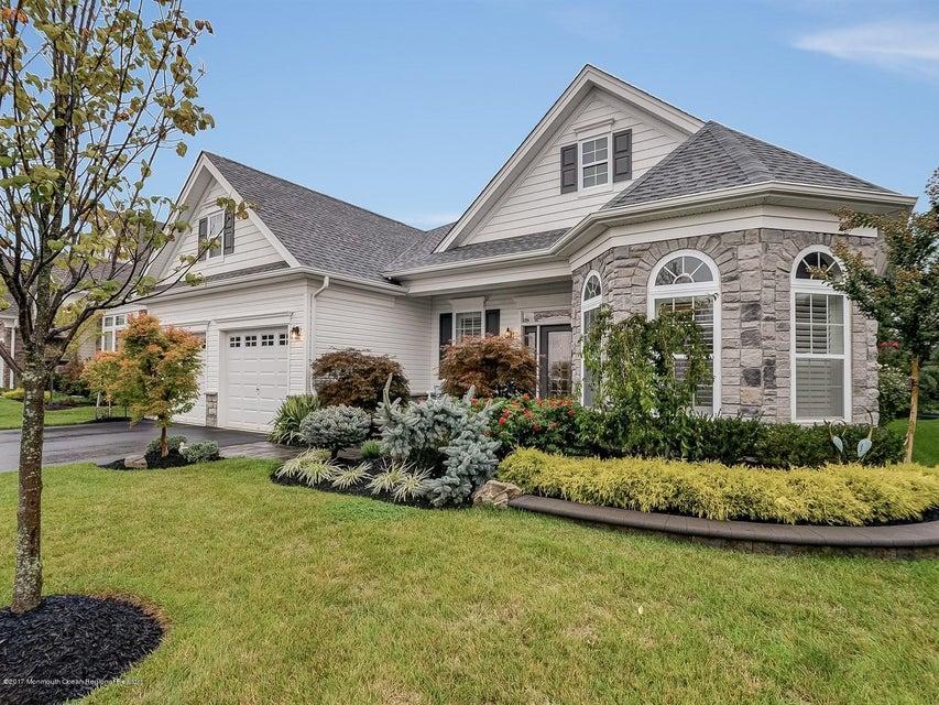 Casa para uma família para Venda às 92 Tournament Drive 92 Tournament Drive Monroe, Nova Jersey 08831 Estados Unidos