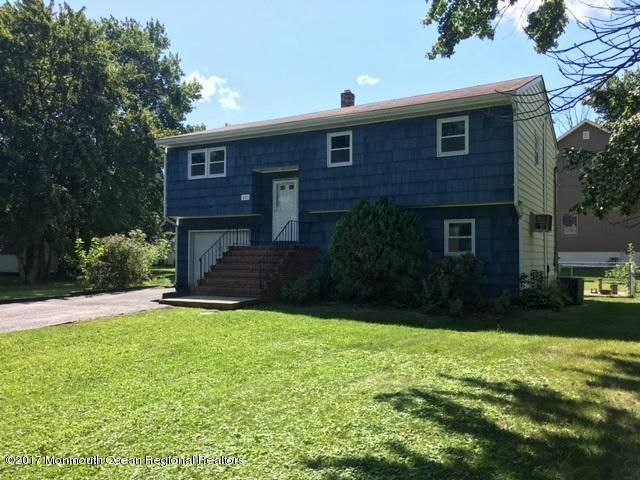 Single Family Home for Sale at 421 Smith Court 421 Smith Court Cliffwood, New Jersey 07721 United States