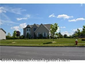 Casa para uma família para Venda às Address Not Available Monroe, Nova Jersey 08831 Estados Unidos