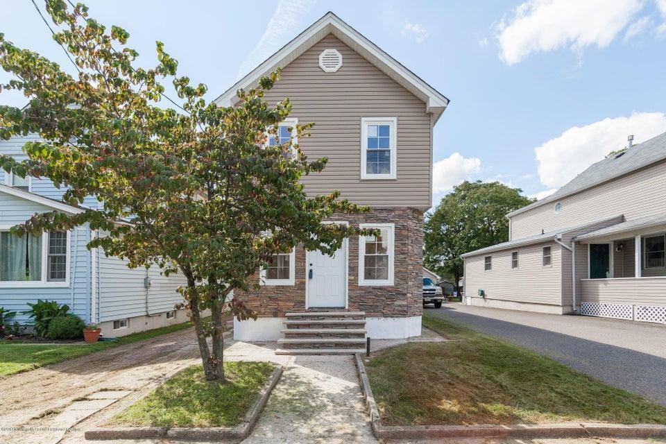 Maison unifamiliale pour l Vente à 9 Boehmhurst Avenue Sayreville, New Jersey 08872 États-Unis