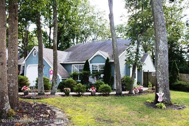 Maison unifamiliale pour l Vente à 702 Falcon Crest Court Galloway, New Jersey 08205 États-Unis