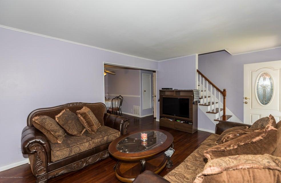 Maison unifamiliale pour l Vente à 1746 Wolbert Terrace 1746 Wolbert Terrace Union, New Jersey 07083 États-Unis