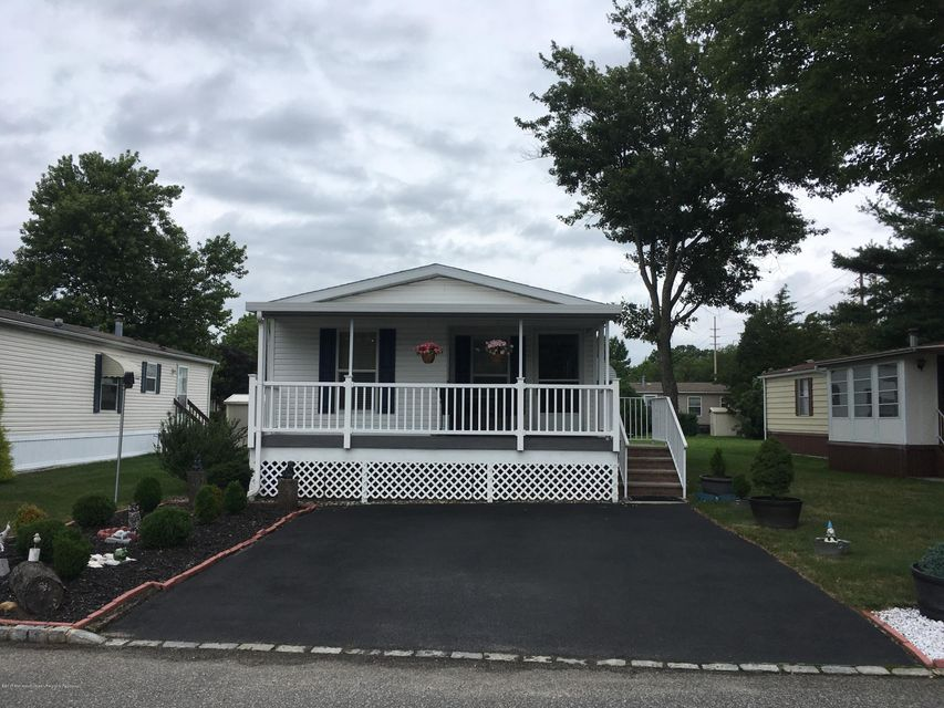 Single Family Home for Sale at 365 Village Drive 365 Village Drive Spotswood, New Jersey 08884 United States