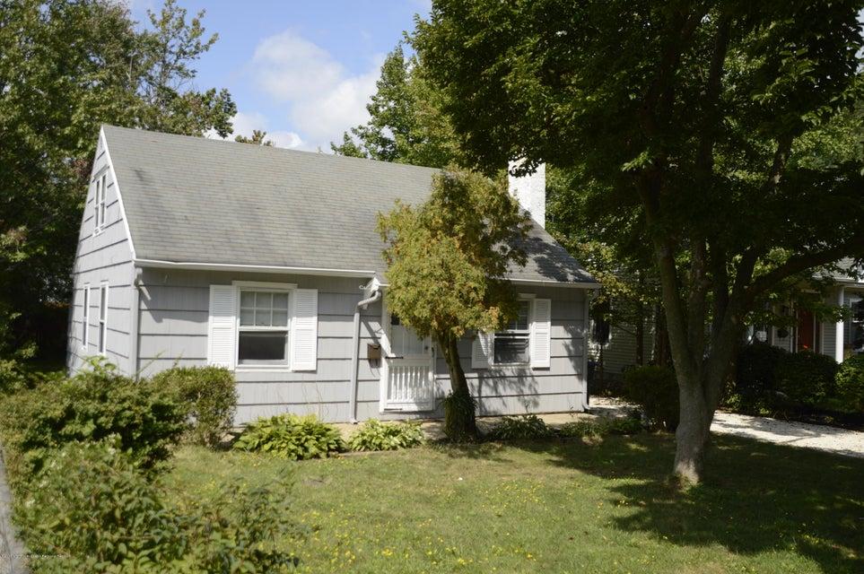 Maison unifamiliale pour l Vente à 1619 Water Street West Belmar, New Jersey 07719 États-Unis
