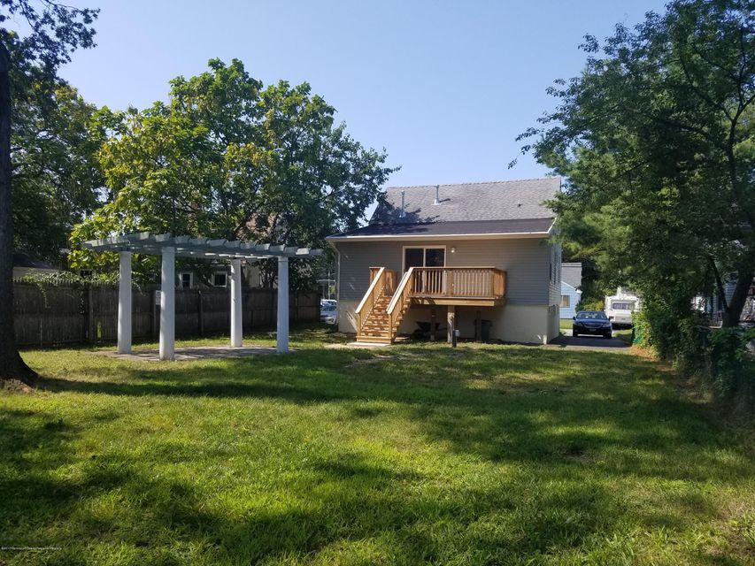 Single Family Home for Sale at 158 Creek Road Keansburg, New Jersey 07734 United States