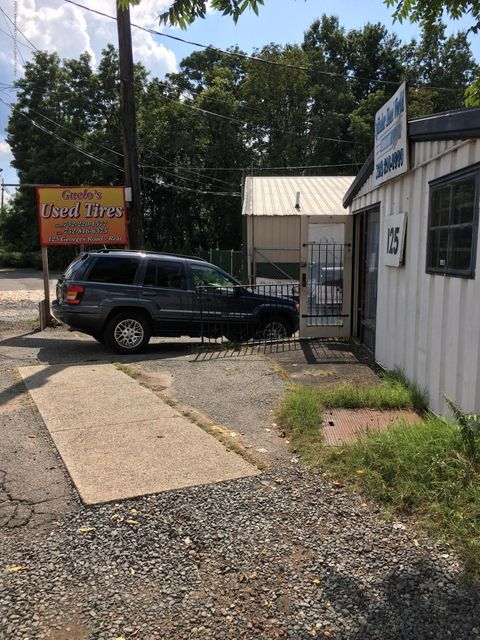 Commercial for Sale at 125 Georges Road 125 Georges Road New Brunswick, New Jersey 08901 United States