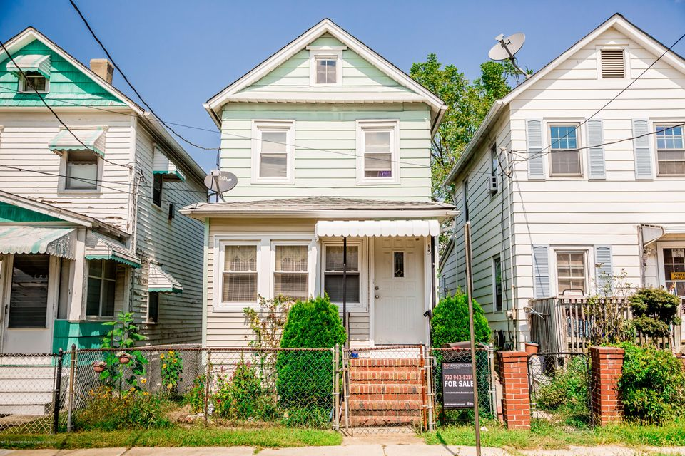 Single Family Home for Sale at 13 Prentice Avenue 13 Prentice Avenue South River, New Jersey 08882 United States