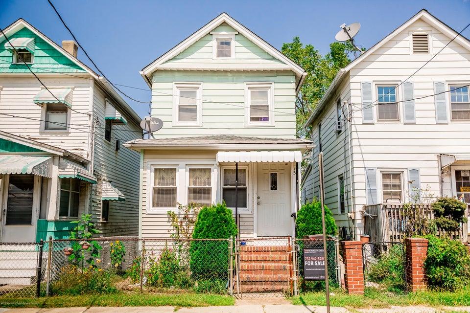 Maison unifamiliale pour l Vente à 13 Prentice Avenue South River, New Jersey 08882 États-Unis