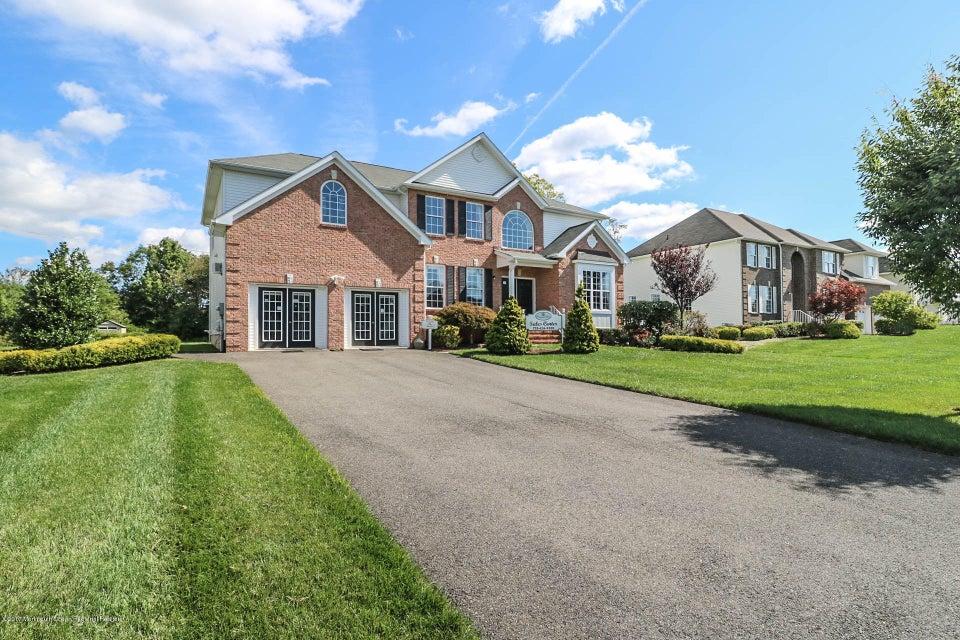 Casa para uma família para Venda às 19 Kay Court 19 Kay Court Monroe, Nova Jersey 08831 Estados Unidos