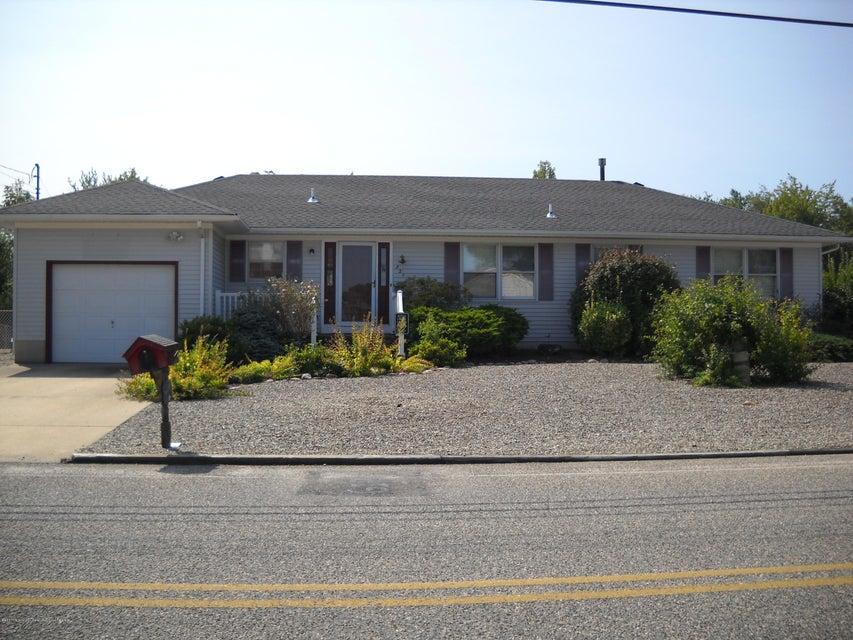 Vivienda unifamiliar por un Venta en 821 Laurel Boulevard 821 Laurel Boulevard Lanoka Harbor, Nueva Jersey 08734 Estados Unidos