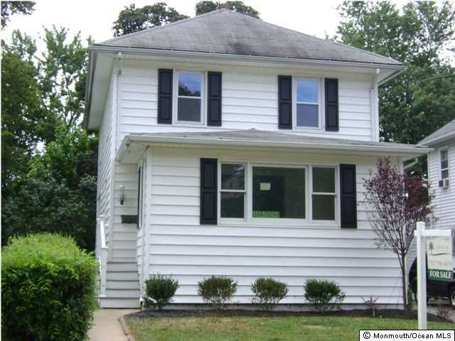 Single Family Home for Rent at 32 Elm Place 32 Elm Place Red Bank, New Jersey 07701 United States