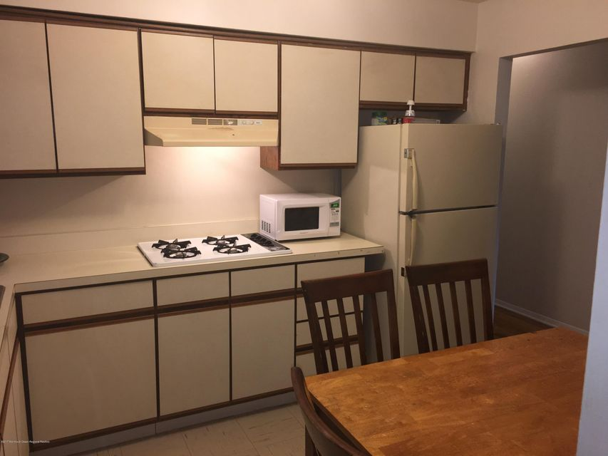 Additional photo for property listing at 13 Calvert Avenue 13 Calvert Avenue Long Branch, 新澤西州 07740 美國