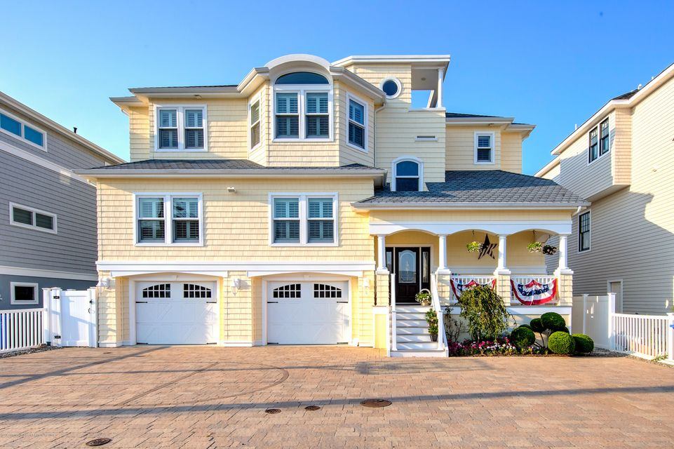 Maison unifamiliale pour l Vente à 19 Susan Lane Beach Haven West, New Jersey 08050 États-Unis