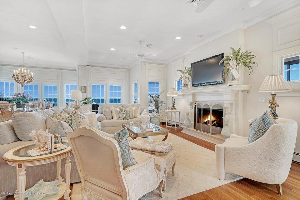 Casa Unifamiliar por un Venta en 49 Pershing Boulevard 49 Pershing Boulevard Lavallette, Nueva Jersey 08735 Estados Unidos