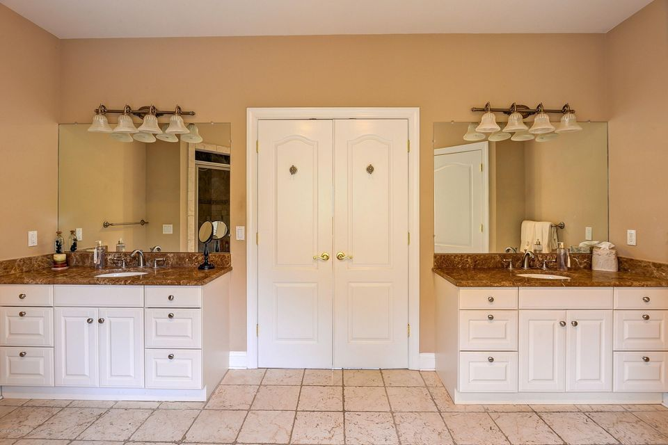 031_Master Bathroom